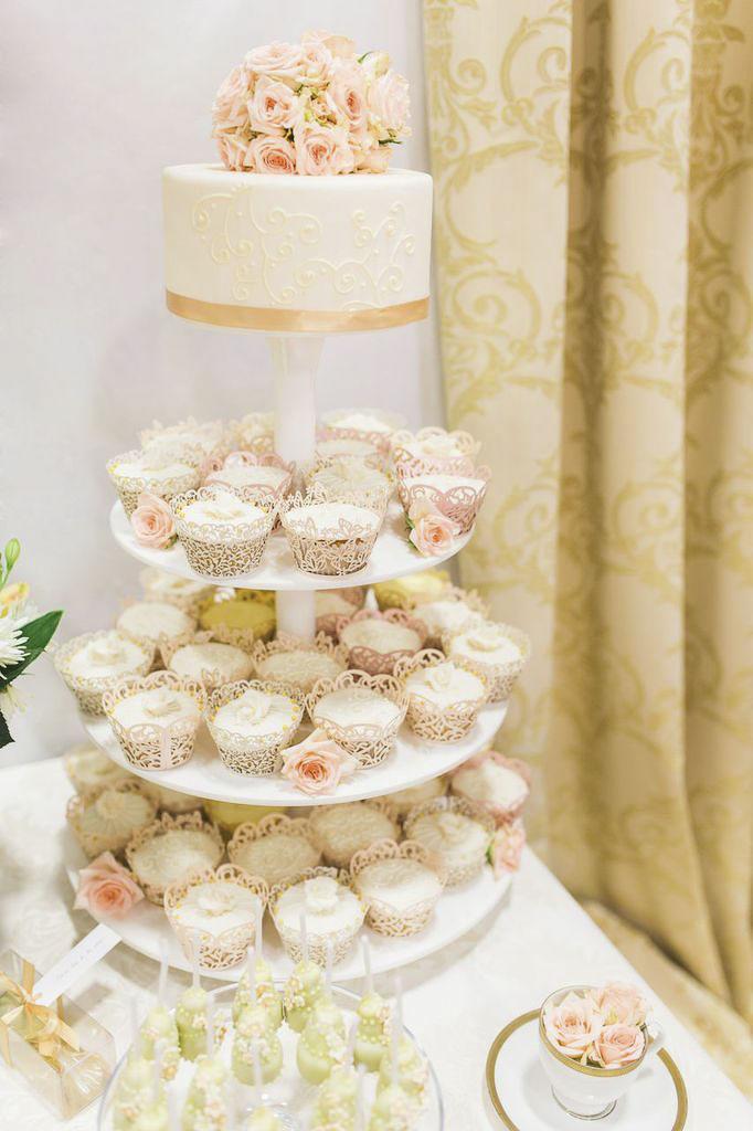 Hochzeitstorten mit cupcakes
