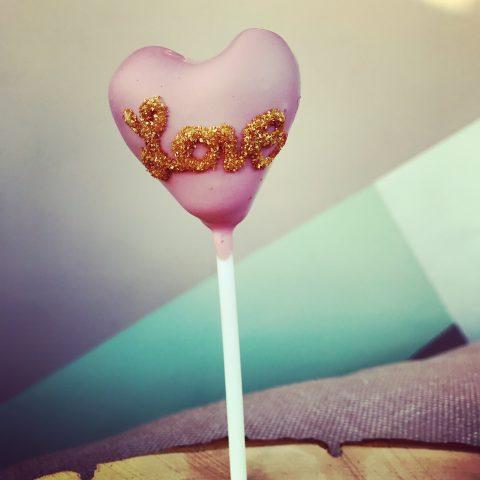 Valentinstag-Cake-Pop-1